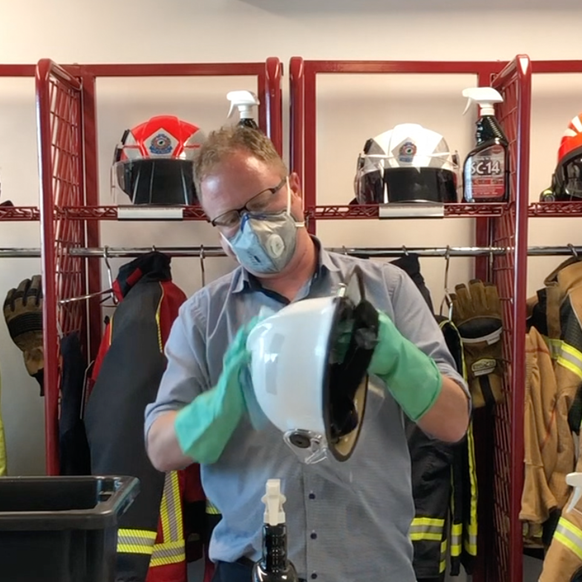 Routine Clean Structural Firefighting Helmet